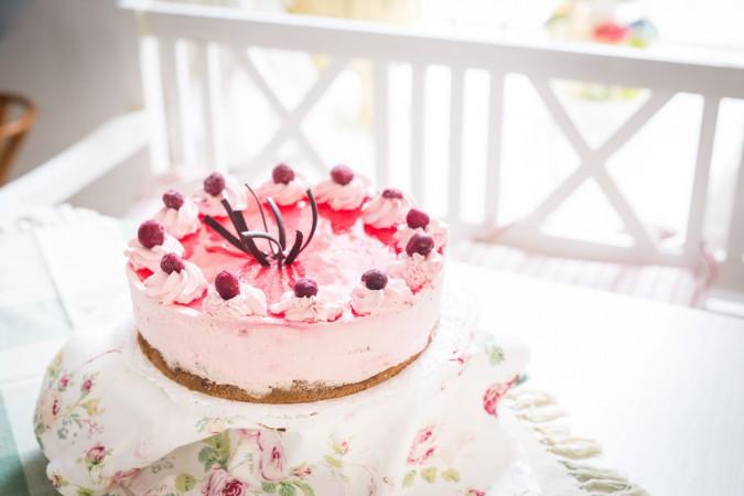 Višňový dort valentýnský: 450,-