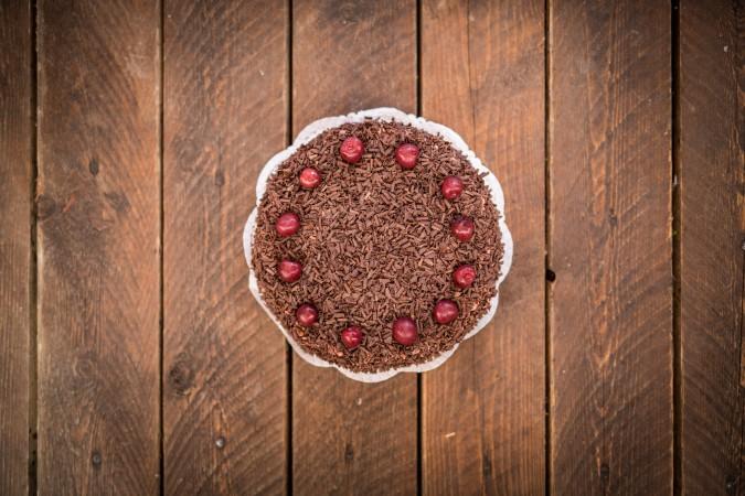 Višňovo-čokoládový dort: 469,-